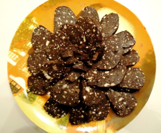 Salame di cioccolato e nocciole