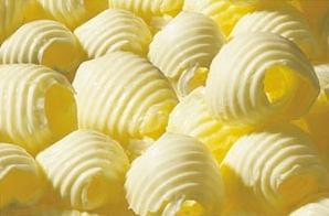 Il burro, ingrediente delle MIllefoglie di Matilde Vicenzi