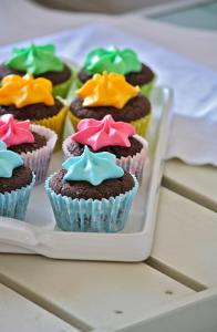 Cupcakes multicolori per Matilde Vicenzi da Erika Cartabia