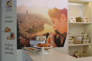 Aeroporto di Verona: momenti di dolcezza con Matilde Vicenzi