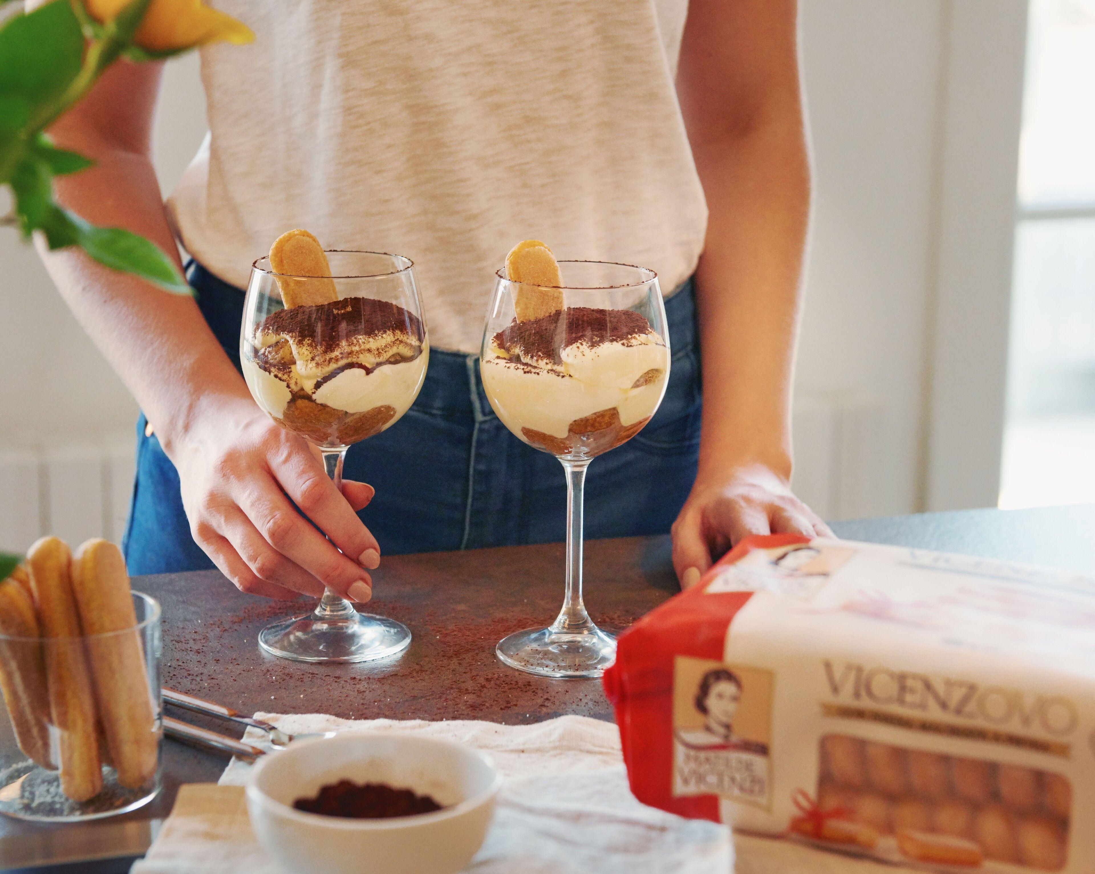 Ricetta Tiramisu In Bicchiere.Tiramisu In Bicchiere Ricetta Golosa Con Savoiardi Vicenzovo